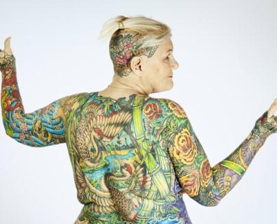 Самая татуированная пенсионерка (видео)