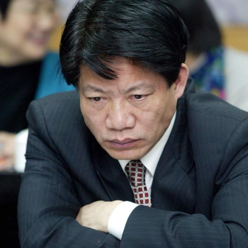 <center><b>Китаец стал чиновником с 62ой попытки</center></b>