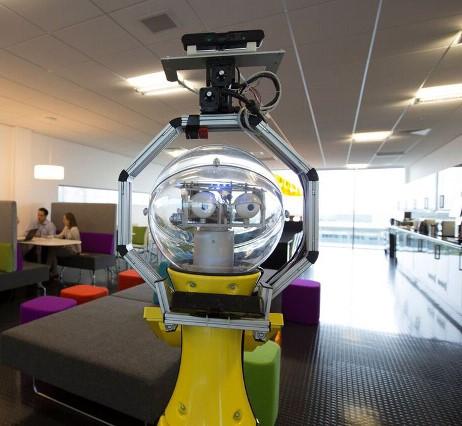 <center><b>Британский робот стал офис-менеджером</center></b>