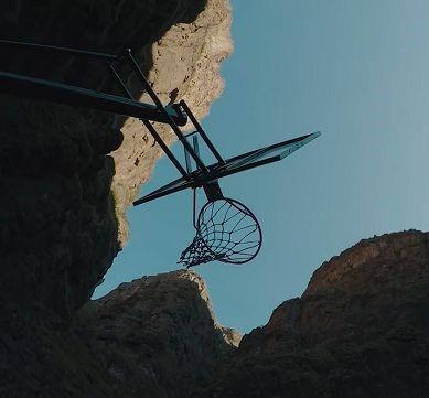 Умопомрачительный баскетбольный рекорд (видео)