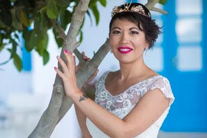 Француженка устроила свадьбу без жениха