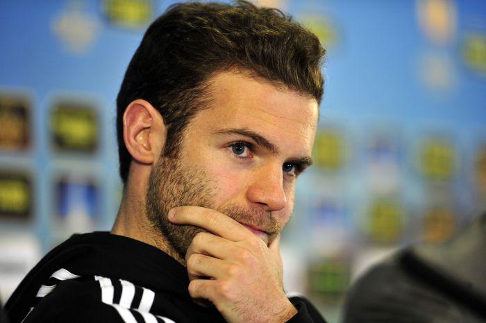 <center><b>Испанский футболист недоволен высокой зарплатой</center></b>