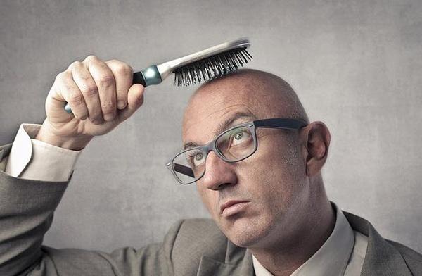 <center><b>Кризис лишает волос</center></b>