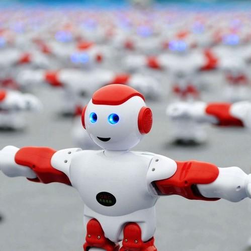 <center><b>Китайские роботы сплясали на рекорд</center></b>