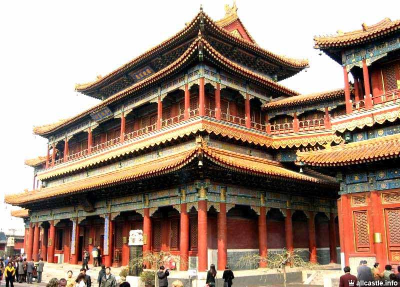 <center><b>Китайцы проверяют далай-лам на святость</center></b>
