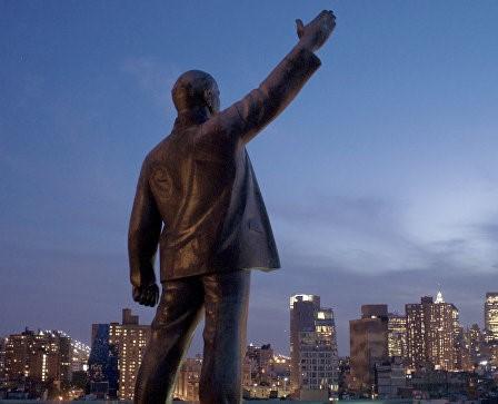 Ленин покинул крыши Нью-Йорка