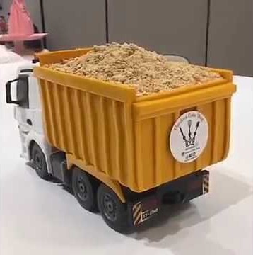 Съедобный торт-грузовик из Гонконга (видео)