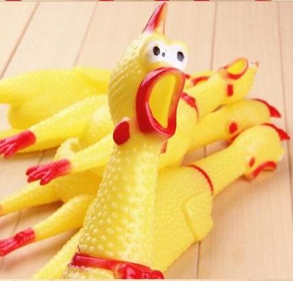 Копов испытывают резиновым цыпленком