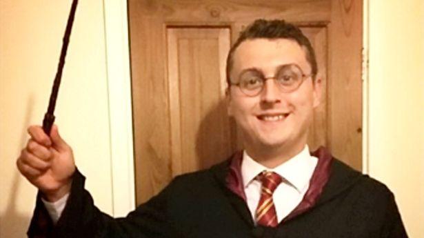 Британец по имени Гарри Поттер рассказал, каково быть полным тезкой волшебника